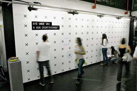 люди выполняют тест на креативность