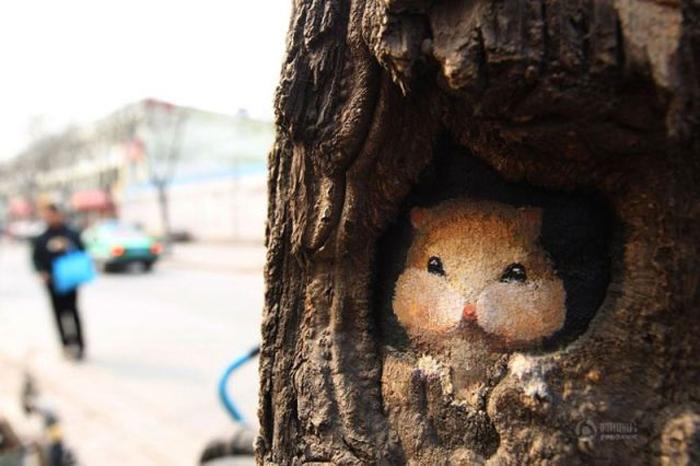 Живопись на стволах деревьев